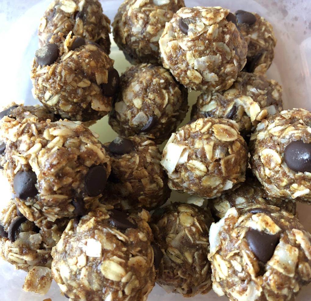 Almond Butter Oatmeal Balls
